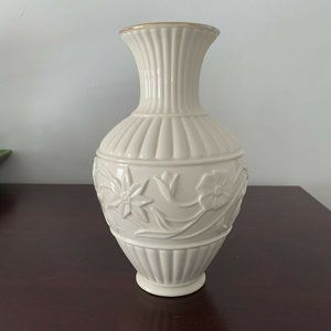 Lenox Classic Vase Floral Vine Ivory with gold